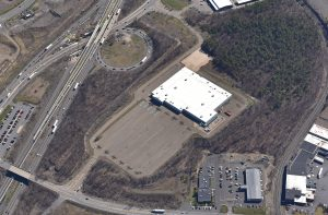 former-walmart-building-pittston-twp